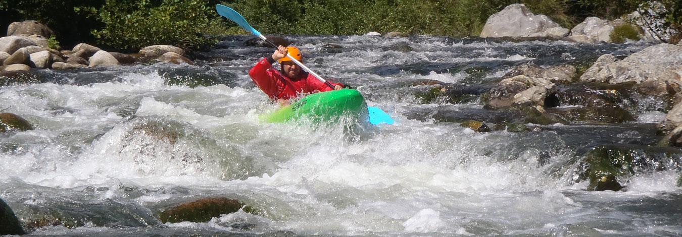 kayak sportif sur le haut chassezac ardèche