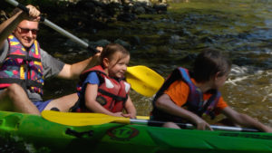 Canoë avec enfants en famille Chassezac Sud Ardèche